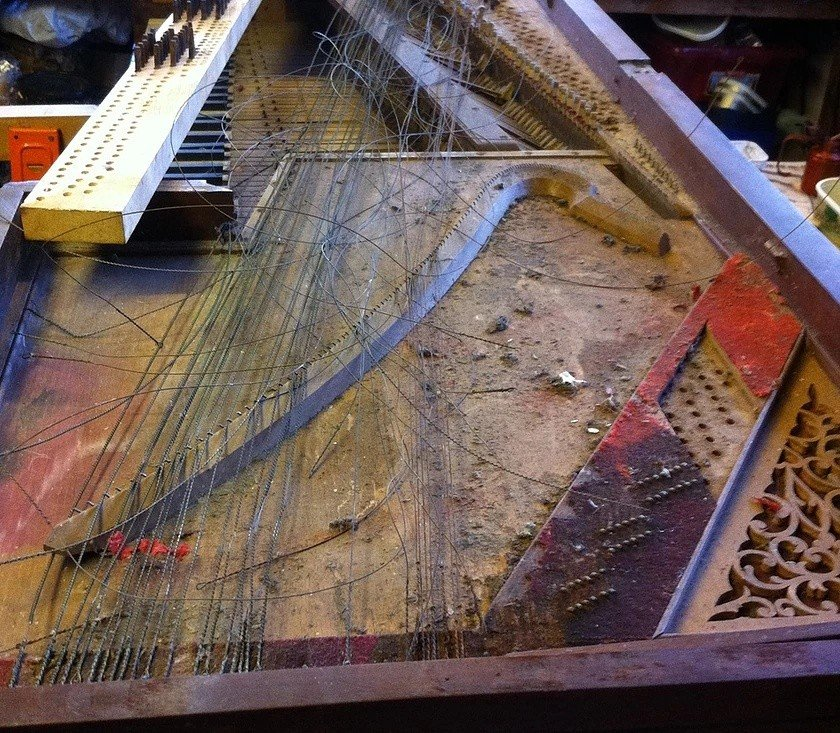 1818 broadwood square piano as found in garden shed